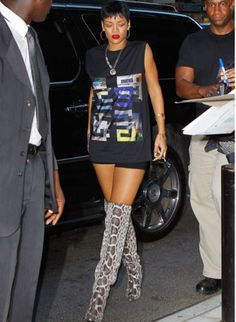 Rihanna Makes An Impression In Garish Thigh-High Snakeskin Boots For NYC Meeting Summer Boots Outfit, Thigh High Boots Outfit, Over The Knee Boot Outfit, Trendy Fall Outfits, Summer Outfits, Cute Outfits, Fall Fashion Trends, Autumn Fashion, Fashion Ideas