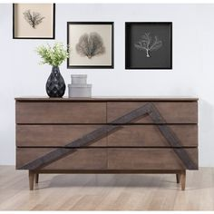 Enjoy additional storage space without sacrificing style with this stunning 6-drawer dresser.