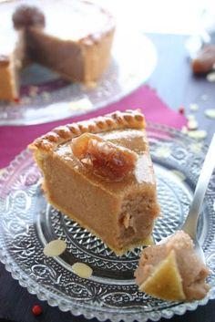 Je crois que je vais bientôt faire une overdose de sucre...mais avec le froid qu'il fait dehors cela ne peut pas faire de mal (enfin je crois...). Bref tout cela pour vous proposer aujourd'hui une succulente tarte aux marrons. Indice calorique : + 3 900... Sweet Pie, Sweet Tarts, Sweet Recipes, Cake Recipes, Dessert Recipes, Kolaci I Torte, Sweet Cooking, Breakfast Dessert, Easy Desserts