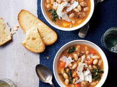 Slow Cooker Tuscan White Bean Soup   Soups, stews, and chilis are a healthy eater's best friend. You can fill bowls with hearty grains, fiber-rich vegetables, lean meats and then pour on a flavorful low-calorie broth. Creamy soups of puréed vegetables are a can't-fail crowd pleaser, too—and they're a great way to sneak in extra vegetable and fruit servings. Every diet begins with watching what you eat. Counting calories is key whether you're maintaining a healthy weight or working to shed a…