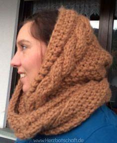 Ich habe bei youtube ein tolles Video mit einem schönen Schal gefunden. Diesen wollte ich auf jeden Fall einmal nachstricken. Als Geschenk zum Beispiel an Weihnachten ist dieser super geeignet. Letztes Jahr an Weihnachten durfte sich meine Mama über diesen Schal freuen. Was ihr für diesen Loopschal benötigt… dicke Schalwolle z.B. Semira von Schöller-Stahl oder ...