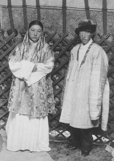 Традиционная одежда казахской женщины
