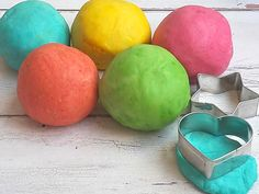 gyurma házilag Easter Eggs, Baby Dolls, Crafts For Kids, Play Dough, Fimo, Creative, Crafts For Children, Kids Arts And Crafts, Reborn Dolls
