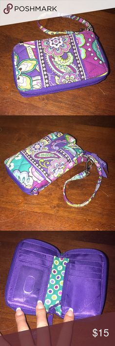Vera Bradley Wristlet Small Vera Bradley wristlet. Gently used in great condition. All zippers work perfectly! Vera Bradley Bags Clutches & Wristlets