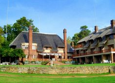 The Bend Country House is set on a 1400 hectare nature estate in the foothills of the majestic Drakensberg. Six well-stocked dams await eager anglers. www.midlandsmeander.co.za Midland Meander, Kwazulu Natal, Lush Green, Explore, Country, House Styles, Places, Nature, Beautiful