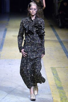 Yohji Yamamoto - Spring 2006 Ready-to-Wear - Look 11 of 47