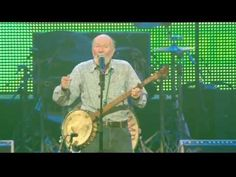 Pete Seeger - If I Had A Hammer (The Hammer Song) (Live at Farm Aid 2013) - YouTube