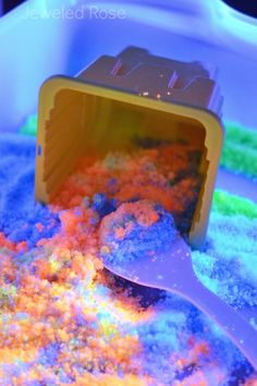 Glow in the Dark Sand Recipe- fun for kids of all ages and great for playtime! @JeweledRose Repined by @CSHC