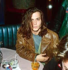 Johnny Depp / 90s. How his hair is. and the clothes and a little bit the face
