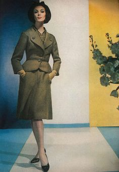 Early 1960s skirt suit chicness. #vintage #fashion #1960s #suit