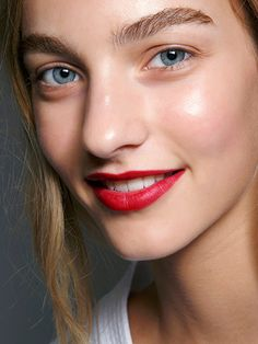 5-Minute #Holiday #Makeup Looks to Try This Season: Cherry Lips