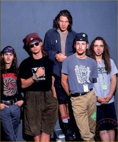 The best band of the world, Pearl Jam, from the 90's!