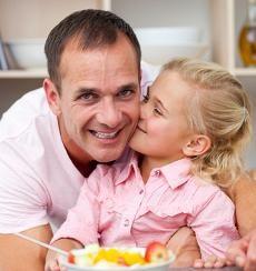 El estado emocional de los padres influye directamente en los hábitos de alimentación de sus hijos