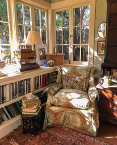 Cozy Nook, Cozy Corner, Style At Home, Cozy Reading Corners, Reading Nooks, Cozy Reading Rooms, Reading Chairs, Home Libraries, My New Room