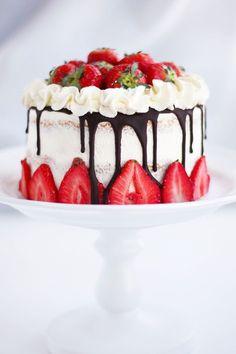 My Kitchen Stories - Jordgubbstårta Snack Recipes, Dessert Recipes, Cooking Recipes, Snacks, Desserts, Cookie Cake Pie, Second Breakfast, Kitchen Stories, Swedish Recipes
