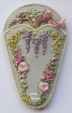 Wonderful Ribbon Embroidery Flowers by Hand Ideas. Enchanting Ribbon Embroidery Flowers by Hand Ideas. Brazilian Embroidery Stitches, Types Of Embroidery, Rose Embroidery, Learn Embroidery, Embroidery For Beginners, Vintage Embroidery, Embroidery Kits, Embroidery Tattoo, Embroidery Techniques