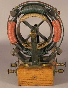 Tesla 2 phase AC electric motor by Max Kohl. Very early demonstration model… Nikola Tesla, Tesla Inventions, Tesla Coil, Electrical Engineering, Alternative Energy, Electronics Projects, Radios, Science And Technology, Physics