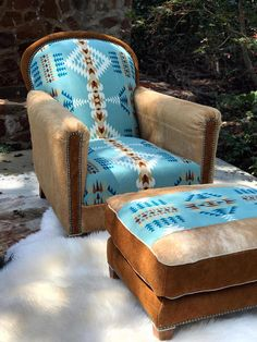 Western furniture pendleton fabric chair & ottoman - All About Decoration Southwestern Home, Southwest Decor, Southwestern Decorating, Southwest Style, Super Bowl Essen, Pendleton Fabric, Western Furniture, Cowhide Furniture, Cabin Furniture