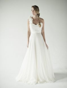 #one strap wedding dress Annette Chaviano  Collection dress #2dayslook # Collectionfashiondress  www.2dayslook.com
