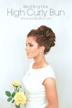 Glamorous Wedding Updos for 2019 - Pretty Designs High Curly Bun for Wedding UpdoHigh Curly Bun for Wedding Updo Fancy Hairstyles, Wedding Hairstyles, 2015 Hairstyles, Romantic Hairstyles, Casual Hairstyles, Wedding Hair And Makeup, Hair Makeup, Hair Wedding, High Updo Wedding