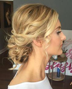 Wavy+Blonde+Updo+For+Thin+Hair. wavy+blonde+updo+for+thin+hair wedding hairstyles Wedding Hairstyles Thin Hair, Thin Hair Updo, Prom Hair Updo, Short Thin Hair, Ombré Hair, Wedding Hair And Makeup, Hair Wedding, Curly Bun, Wavy Updo