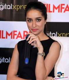 Prettiest Actresses, Hot Actresses, Indian Actresses, Bollywood Actors, Bollywood Celebrities, Shraddha Kapoor Cute, Sraddha Kapoor, Beautiful Bollywood Actress, Indian Beauty Saree