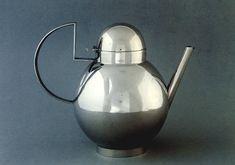 blushingcheekymonkey:  kenne - bauhaus weimar teapot (1924)
