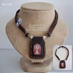 Angeles Vera Bisutería: ESPECIAL ESCAPULARIOS Religious Jewelry, Jewerly, Beaded Necklace, Crafts, Macrame, Button, Board, Fashion, Craft