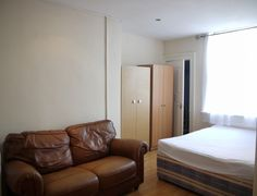 Property for rent Barking Road, London, Greater London E13 8HR - Victor Michael