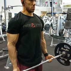 @strongliftwear It may be the weekend but your body doesn't know that  get on your gym hustle every day and reap the rewards!!!!   Rise & grind tee available now at www.strongliftwear.com   #strongliftwear #fitness