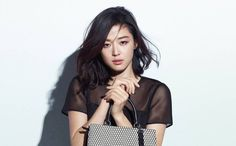 Jun Ji Hyun is under fire for appearing late to press event without apologizing | http://www.allkpop.com/article/2015/02/jun-ji-hyun-is-under-fire-for-appearing-late-to-press-event-without-apologizing