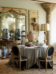 60 Lasting French Country Dining Room Decor Ideas February Leave a Comment French country style is charming, elegant and rather budget-savvy because you can use flea market finds here. French Country Dining Room, French Country Cottage, Country Style, Modern Country, Shabby Cottage, French Dining Rooms, Cottage Chic, Rustic Style, Country Living