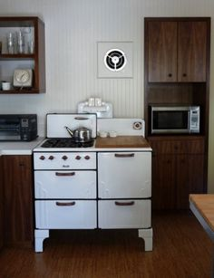 Iu0027m Liking These Exhaust Fans / Vintage Stove Integrated With Contemporary  Cabinets