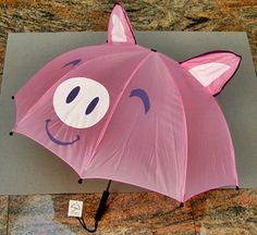 I would have loved to have had this umbrella at college! This Little Piggy, Little Pigs, Tout Rose, Piggly Wiggly, Pugs, Teacup Pigs, Pig Art, Mini Pigs, Cute Piggies