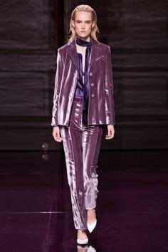 Nina Ricci Spring 2017 Ready-to-Wear Fashion Show - Harleth Kuusik (Elite)