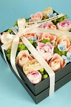 Square box with various coloured roses~♡ ~