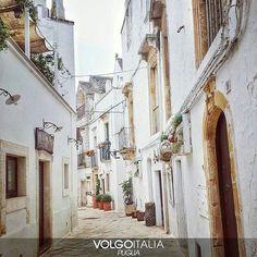 Locorotondo BA Foto di @col_valentina  #Locorotondo #Bari #Puglia #Italia #italy #volgopuglia #volgoitalia #volgobari #v...