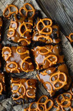 Yammie's Noshery: Dark Chocolate Salted Caramel Pretzel Brownies
