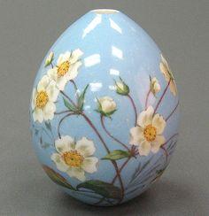 Egg Crafts, Easter Crafts, Easter Paintings, Easter Egg Designs, Spring Painting, Egg Art, Egg Decorating, Spring Crafts, Painted Rocks