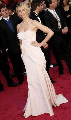 We love this gown on Cameron Diaz! The pleating adds volume & creates the illusion of a curvier firgure!