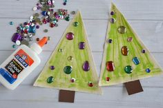 This easy Christmas tree kid's craft is the perfect DIY to share with your…