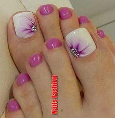 Pretty Toe Nails, Cute Toe Nails, Fancy Nails, Toe Nail Art, Gorgeous Nails, Purple Toe Nails, Pretty Pedicures, Summer Pedicures, Acrylic Nails