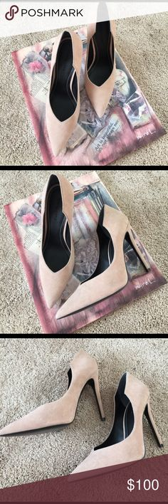 Kendal & Kylie Suede Pumps 👠👠👠 Gorgeous, Brand New without Box 😔 Kendal & Kylie Suede Pumps. Only worn 2 inside the house (just trying on). 4.75 inch heels. They could be yours for the right price 😁! Reasonable Offers Accepted 🌺👠🌸❤❤️ Kendall & Kylie Shoes Heels