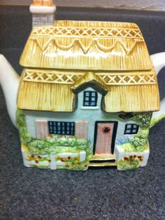 50's Vintage country house tea pot by BETOSVINTAGE on Etsy, $25.90
