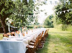 The bohemian wedding of Ilse and Corné - Girls of honor - Relaxing, great weather, great food, that& how a bohemian wedding should be, and Ilse and Cor - Wedding Designs, Wedding Styles, Wedding Ideas, Wedding Fotografie, Summer Wedding, Dream Wedding, Garden Birthday, Outdoor Fire, Vineyard Wedding