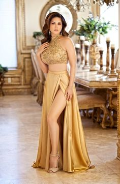 Sunny Leone looks stunning as she appears on the Cover Page of Glam & Glaze (GNG) magazine March-April 2016 issue . Stunningly Beautiful, Beautiful Gowns, Beautiful Women, Satin Dresses, Sexy Dresses, Actress Pics, Color Plata, Lakme Fashion Week, Glamour