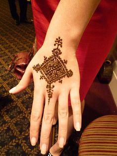 Moroccan henna by kenzilicious, via Flickr