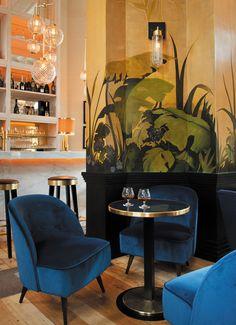 8 Irresistible Parisian Bistros To Get A Meal Before Maison et Objet Bar Interior Design, Hotel Room Design, Mid-century Interior, Bar Design, Restaurant Interior Design, Design Art, Deco Cafe, Modern Hotel Lobby, Hotel Decor