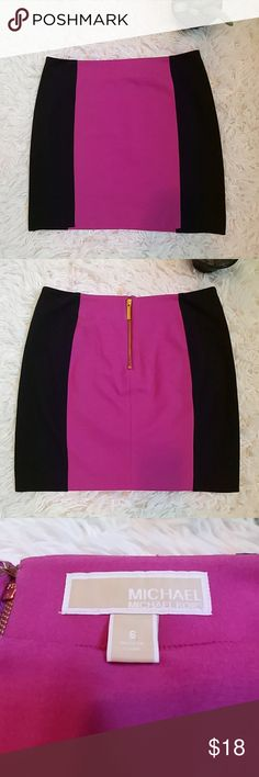"""Michael Kors Mini skirt Like new, 17"""" long, pink and black with Zipper in the back center. Only used once. Non-smoking home. Michael Kors Skirts Mini"""