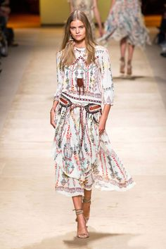 See all the top looks from Etro.